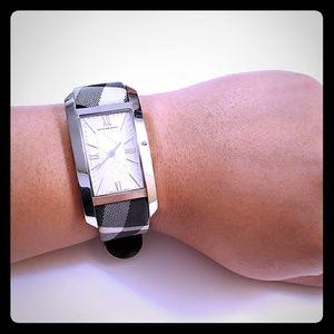Burberry Watch Model BU1077